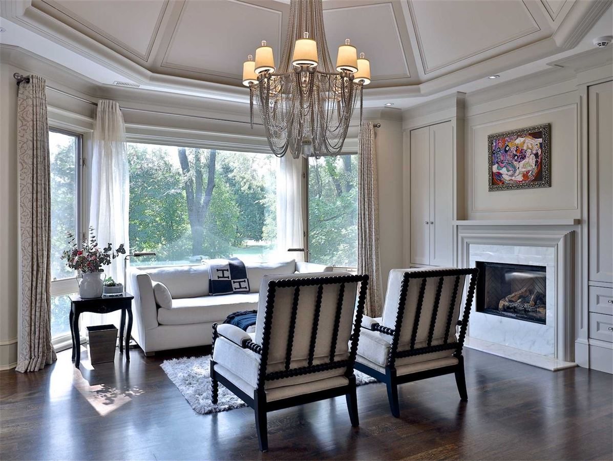 Mansions Exquisite Estate, Magnificently Appointed