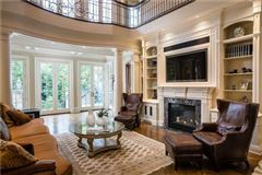 Mansions spectacular luxury residence in desirable location