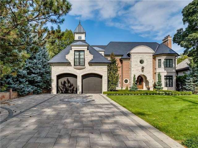 Spectacular Luxury Residence In Desirable Location