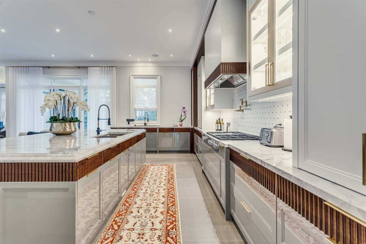 Luxury homes pristine new home of elegance and quality