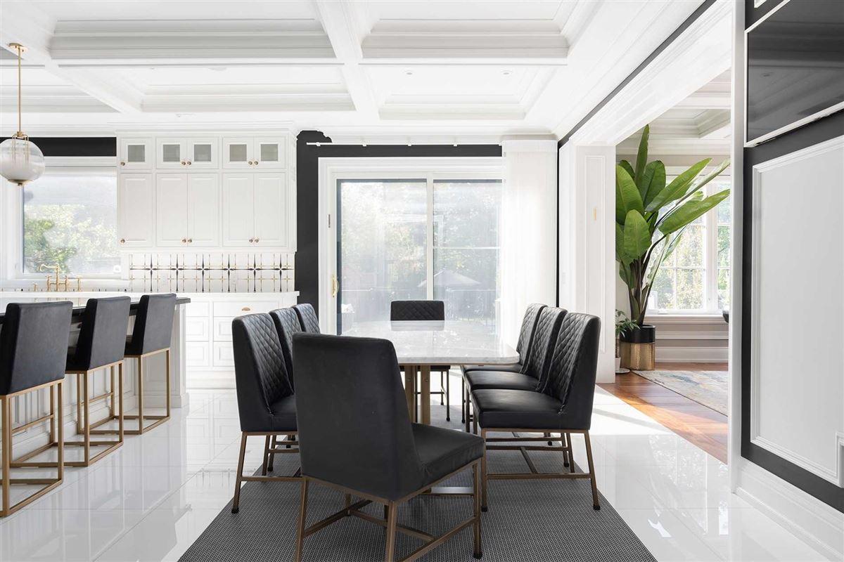 Luxury properties Distinctly Elegant residence in Prized Caribou Park