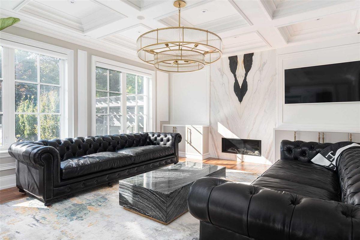 Distinctly Elegant residence in Prized Caribou Park luxury properties