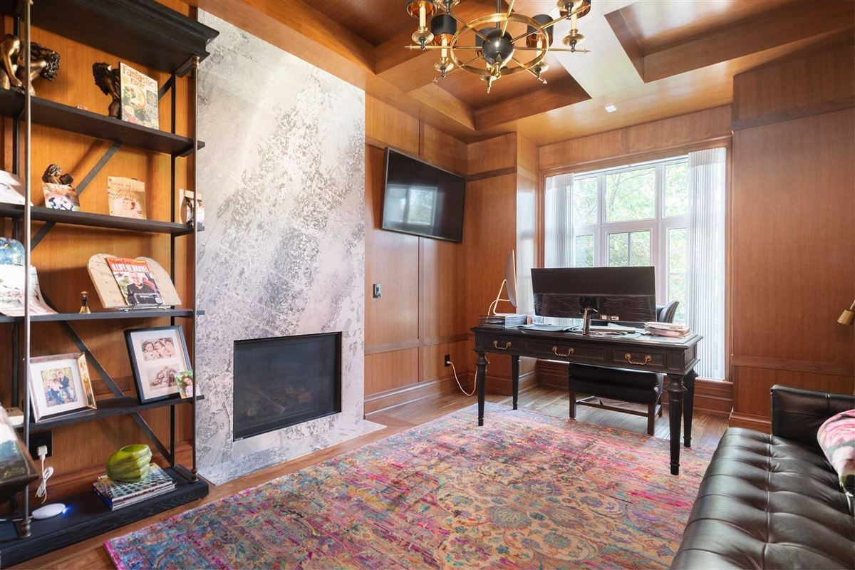 Luxury homes in Distinctly Elegant residence in Prized Caribou Park