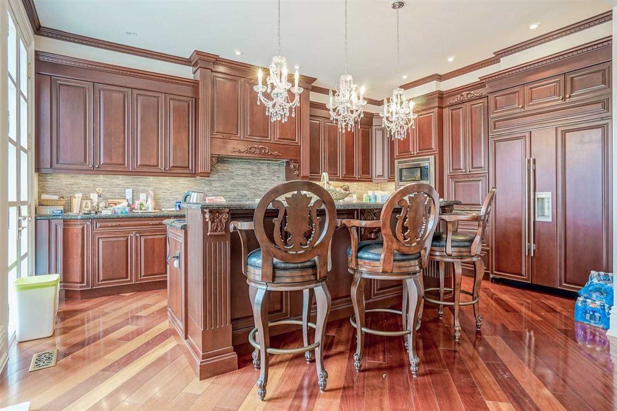 estate mansion in prestigious location luxury real estate