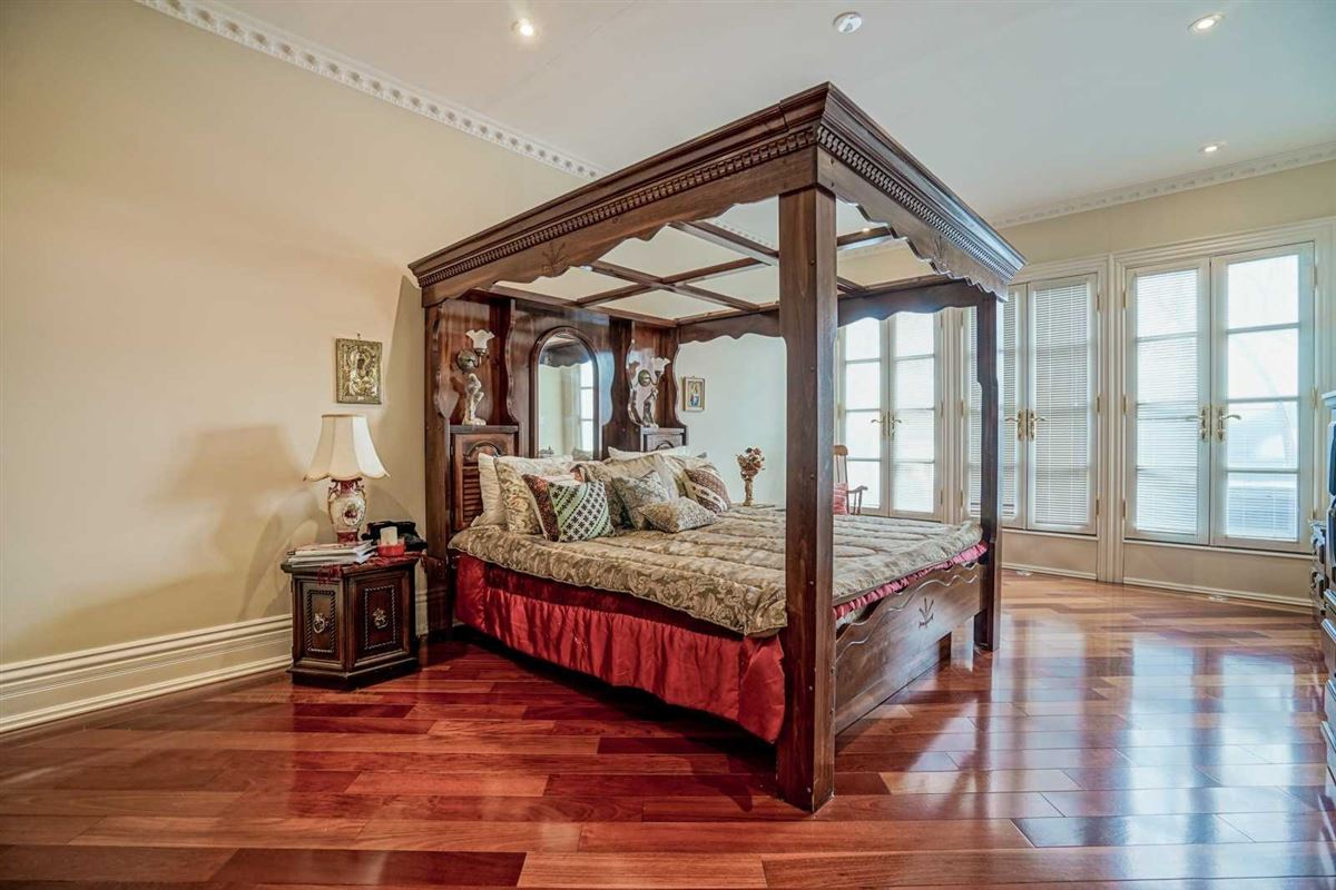 estate mansion in prestigious location luxury properties
