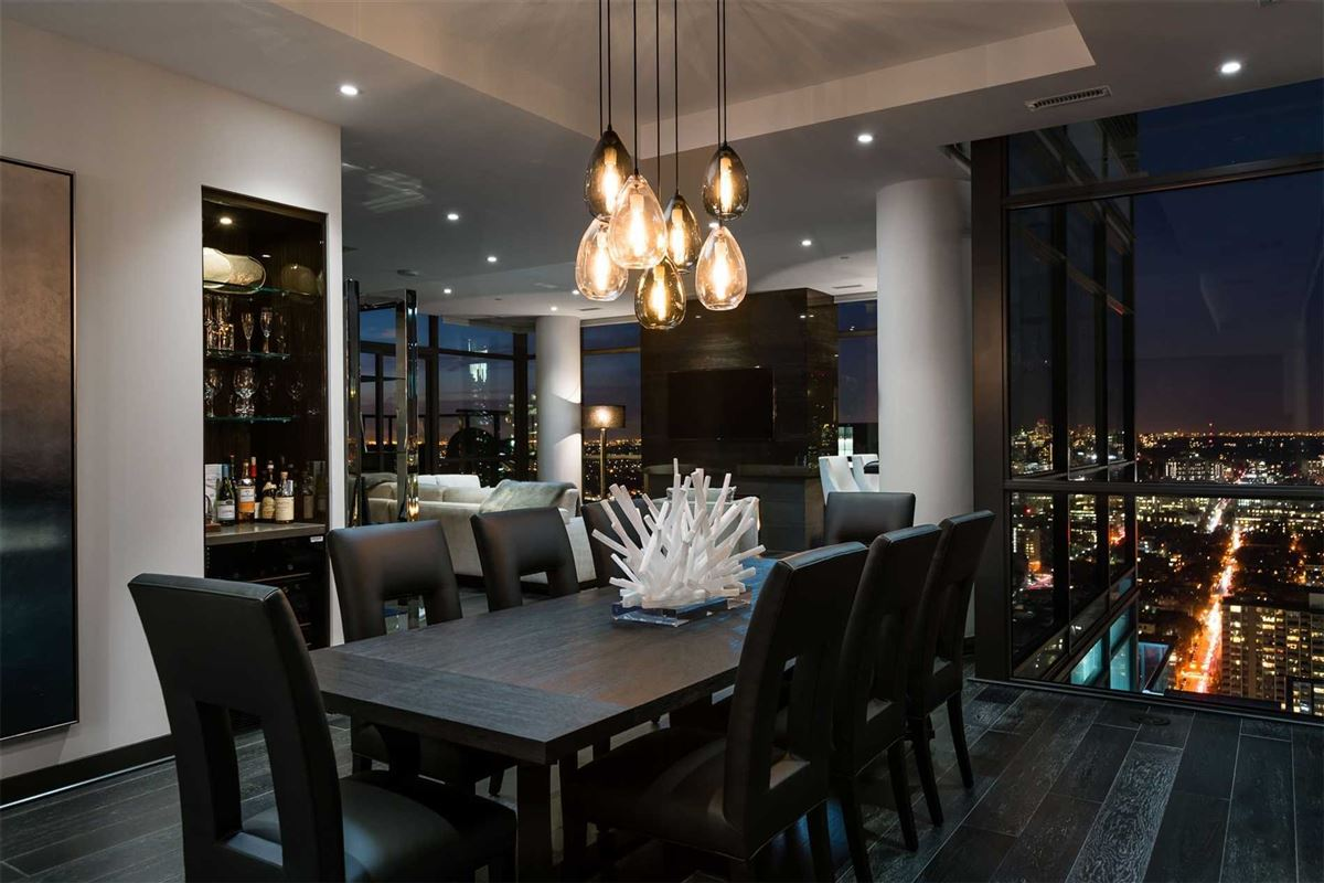 Luxury homes in penthouse in the heart of it all