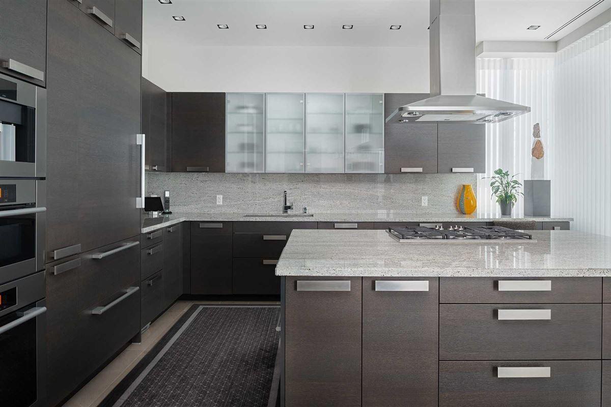 spacious full-floor residence in museum house luxury properties
