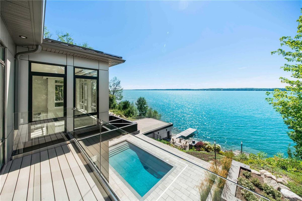 An Artistic Triumph on Kempenfelt Bay luxury real estate