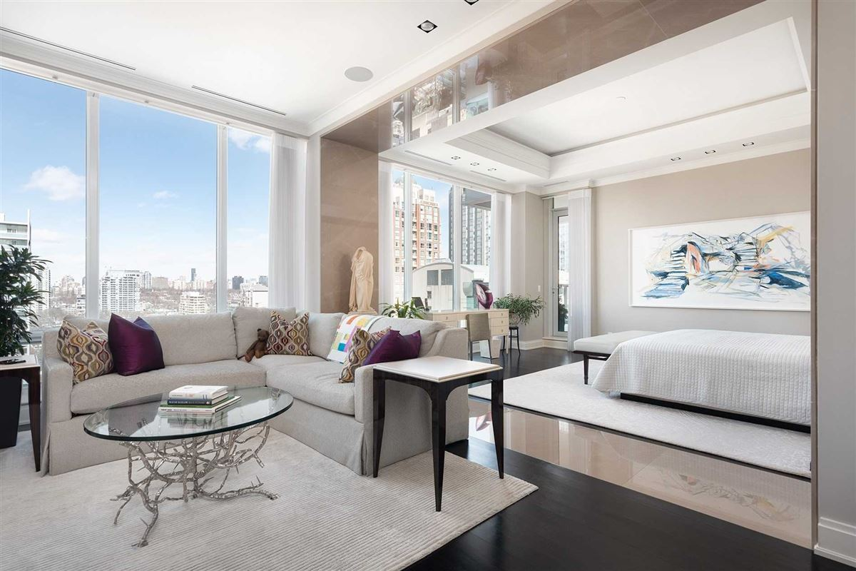 full-floor home at landmarked Museum House mansions