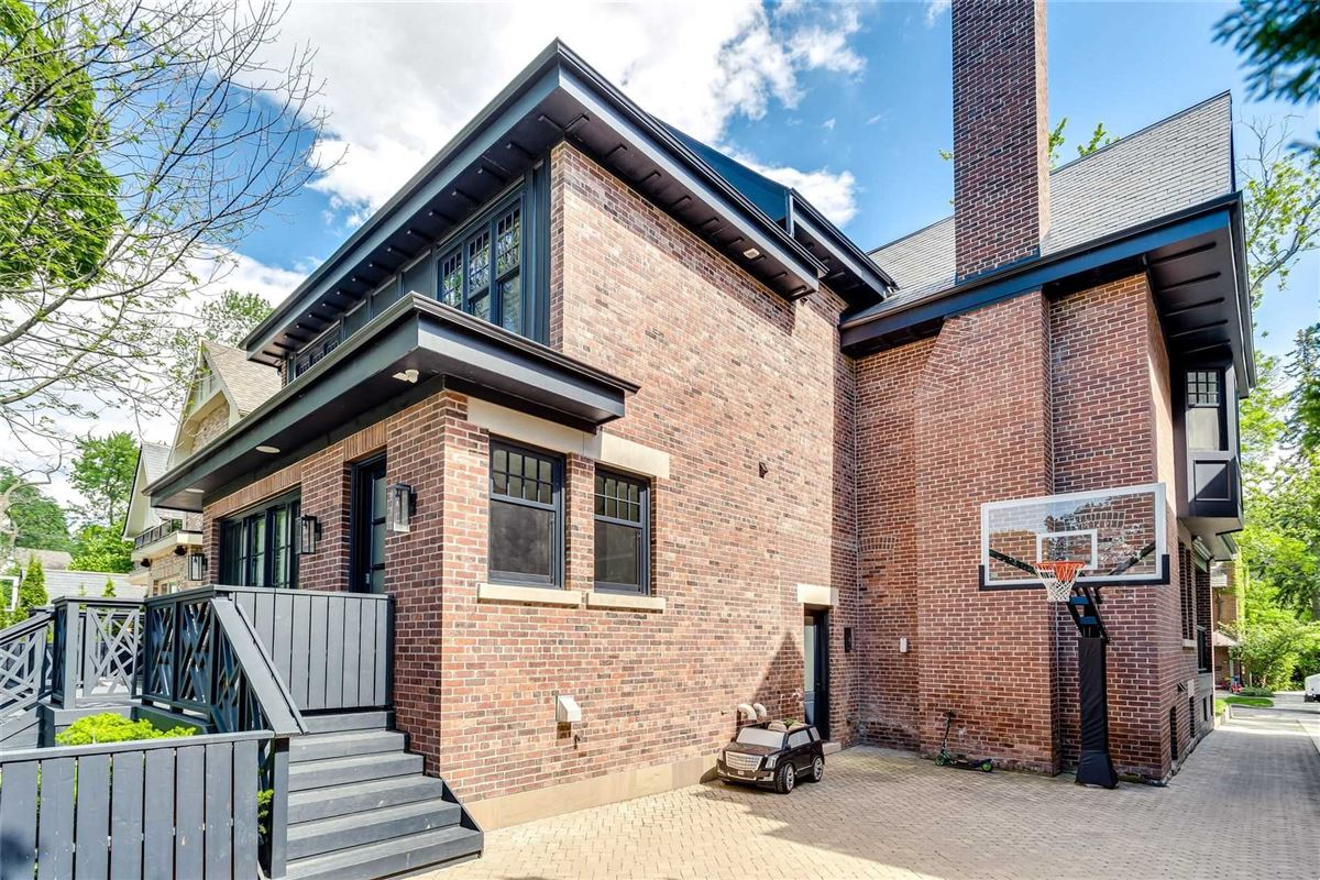beautifully renovated rosedale home mansions