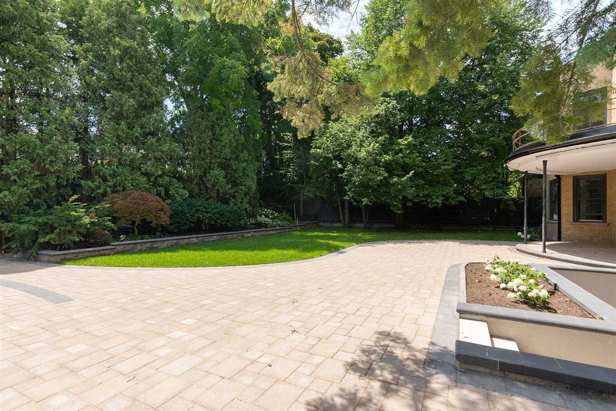 Luxury properties rare oasis in the heart of the city