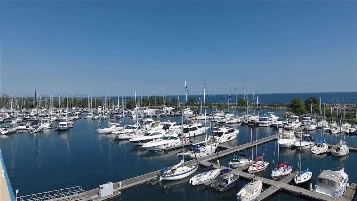 Hamptons-inspired custom residence in Port Credit luxury properties