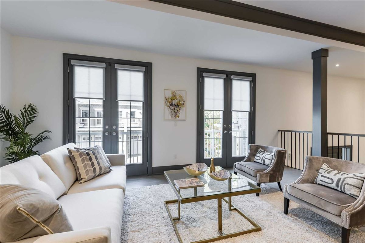 Luxury homes upgraded townhome on a treed lot
