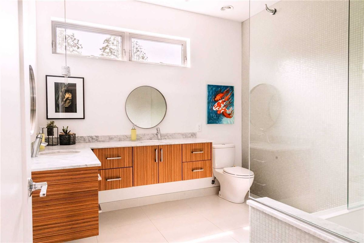 Luxury properties modern luxury in a serene environment