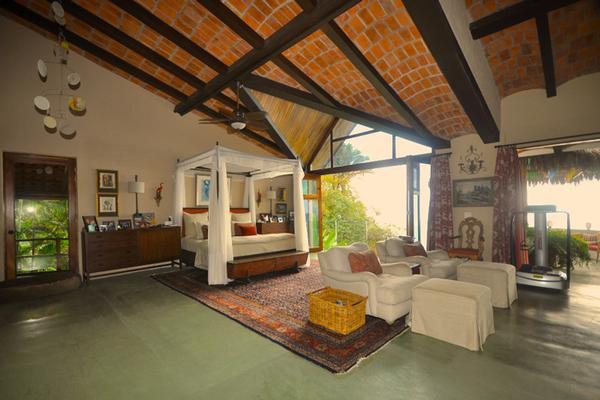 Mansions in Villa Nido Del Alma