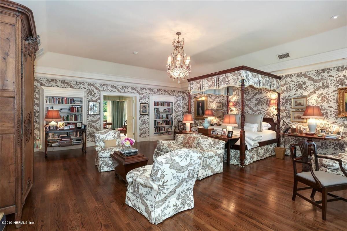 Luxury homes stately Georgian revival