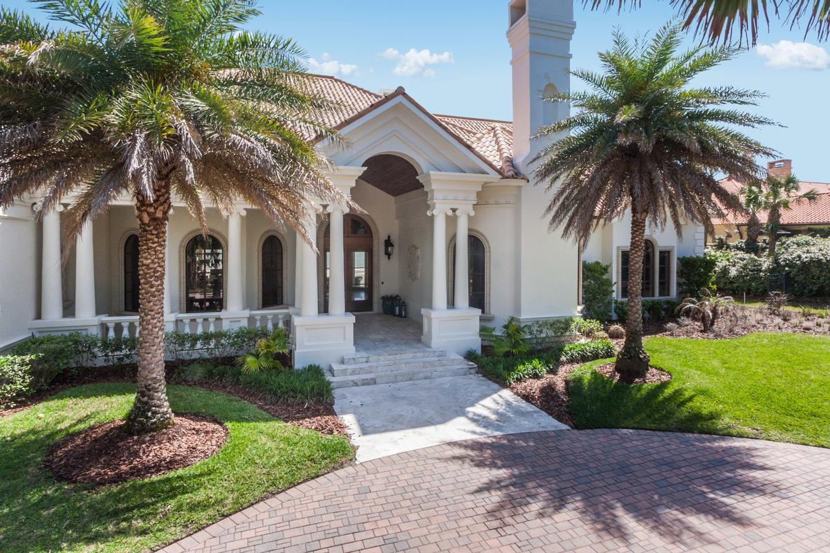Luxury real estate Timelessly elegant oceanfront estate