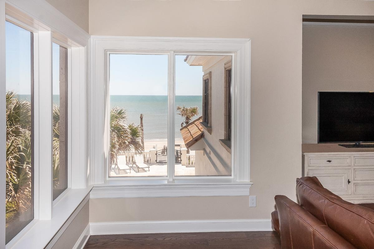 Timelessly elegant oceanfront estate luxury properties