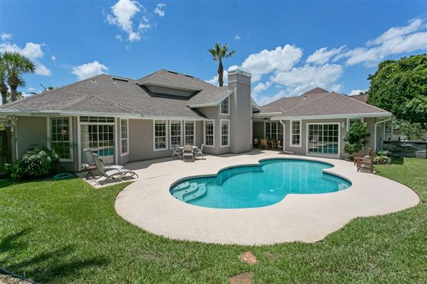 beachside property  luxury real estate
