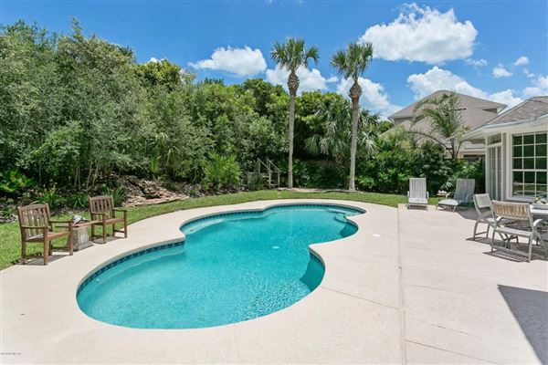Luxury properties beachside property
