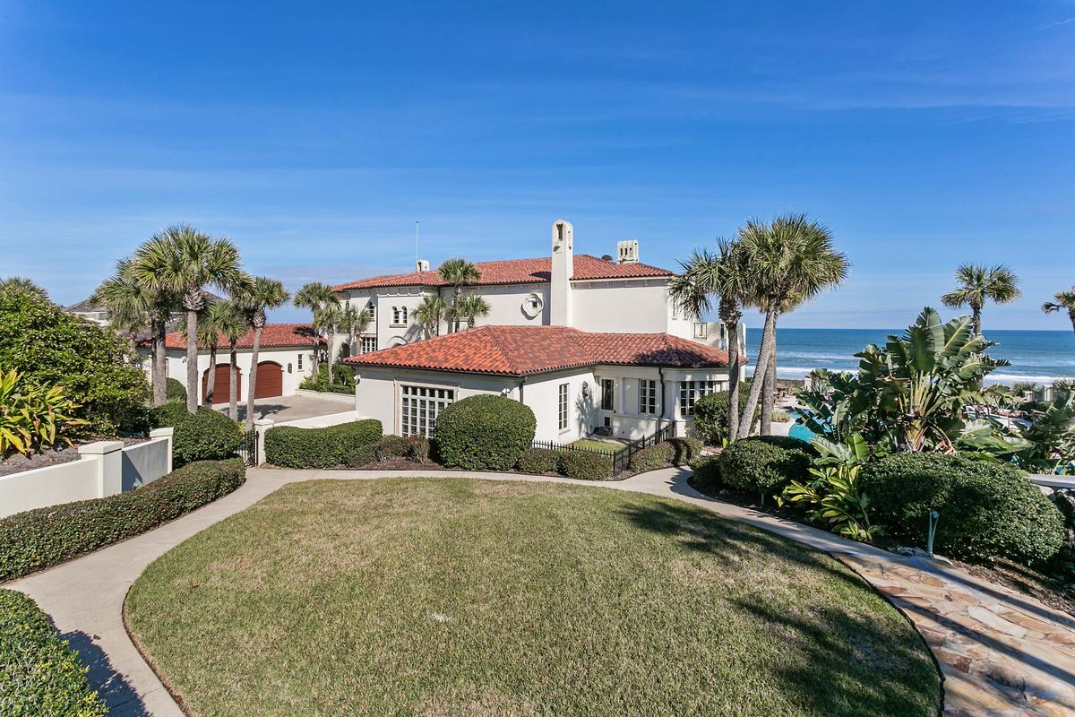 Magnificent estate home on the ocean luxury real estate