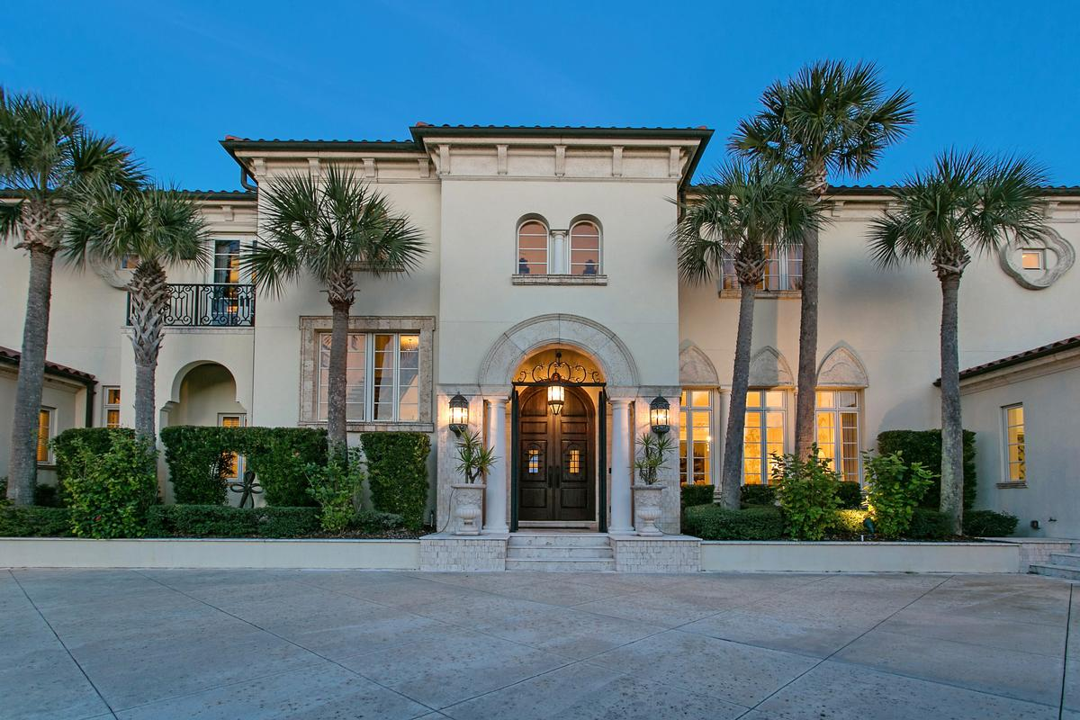 Magnificent estate home on the ocean luxury properties