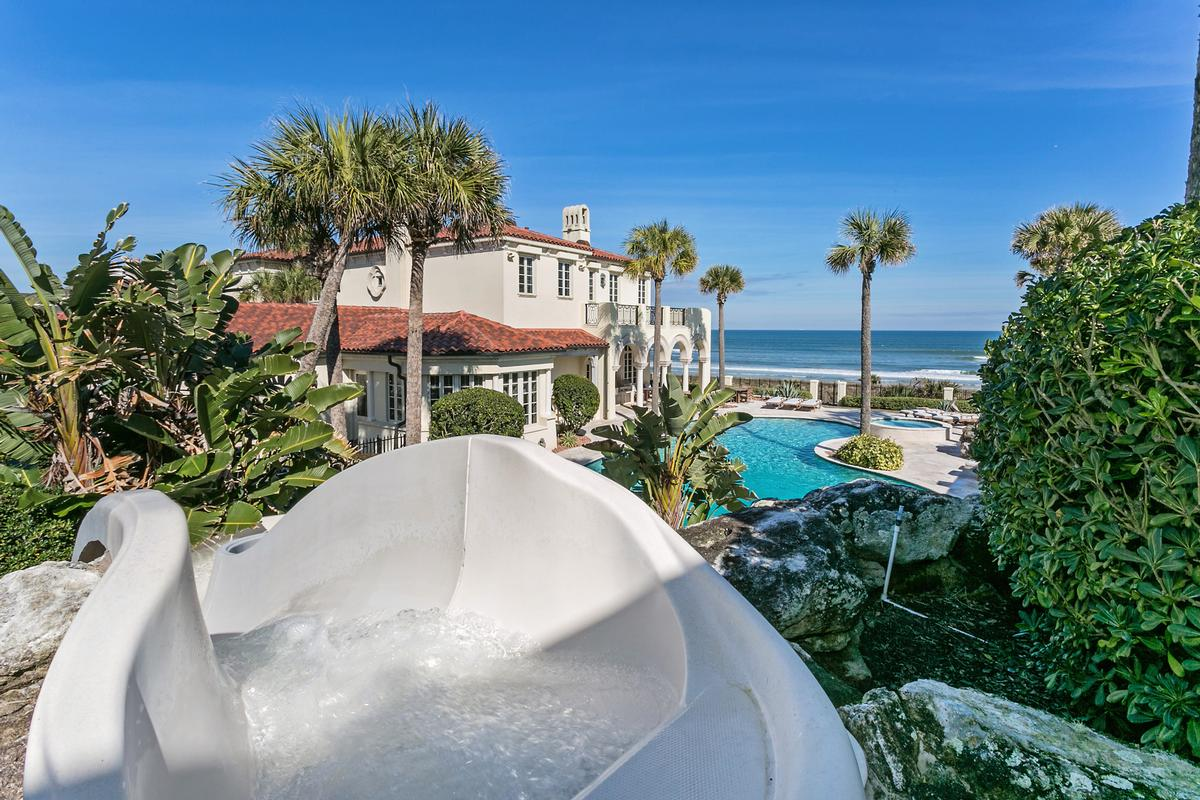 Luxury real estate Magnificent estate home on the ocean