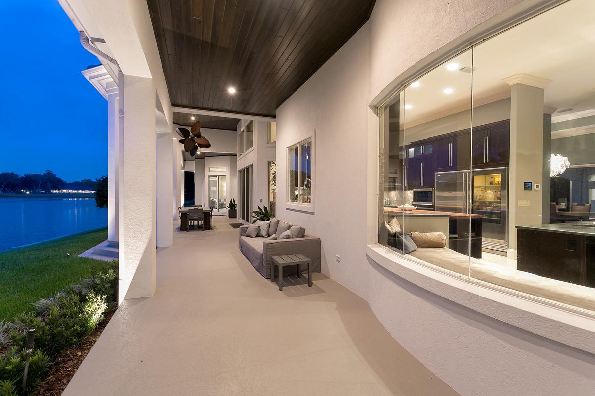Exquisite navigable waterfront property luxury properties