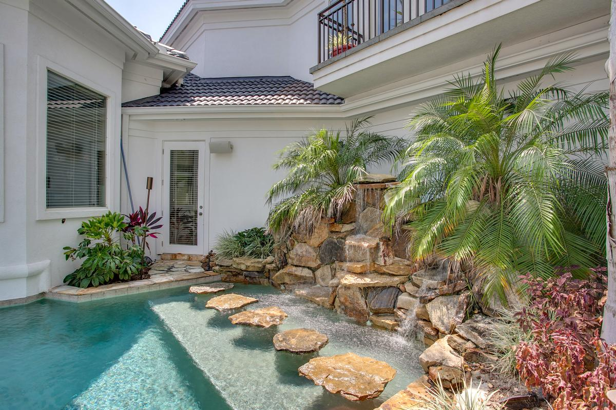 Luxury homes in Exquisite navigable waterfront property