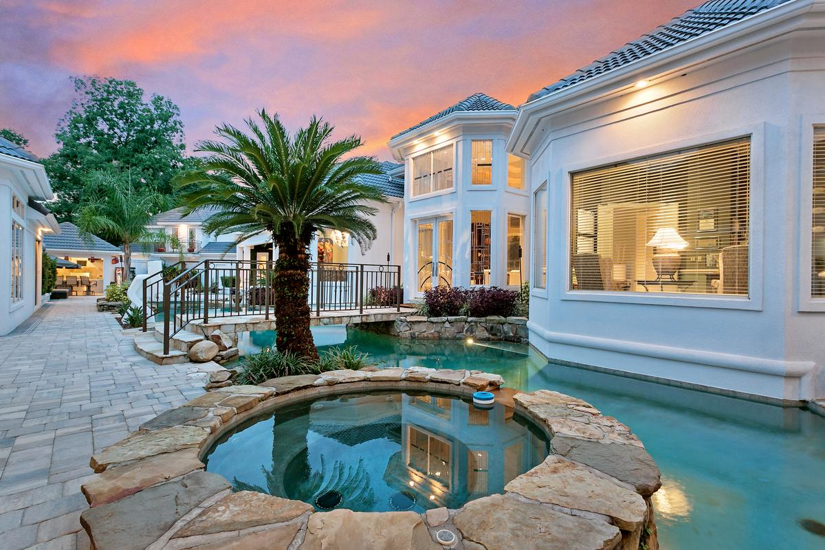 Luxury real estate Exquisite navigable waterfront property