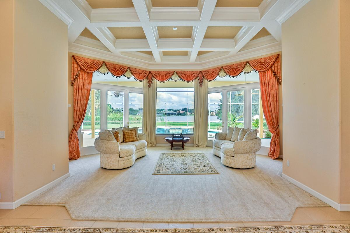 Luxury homes Exclusive gated community in windermere