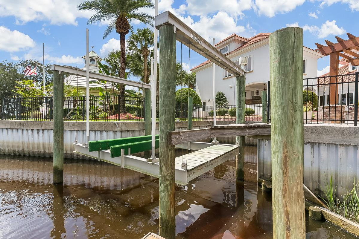Mansions Amazing waterfront estate home with dock