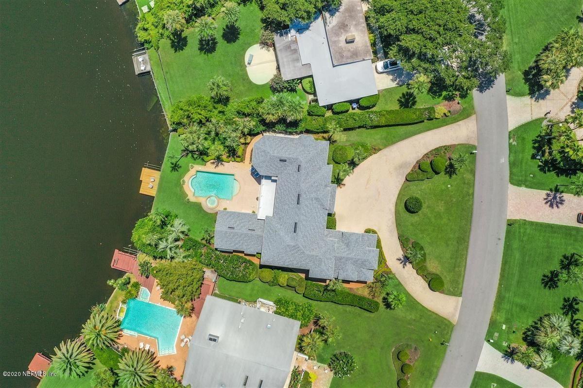 Mansions Coastal Cottage meets Southern Splendor