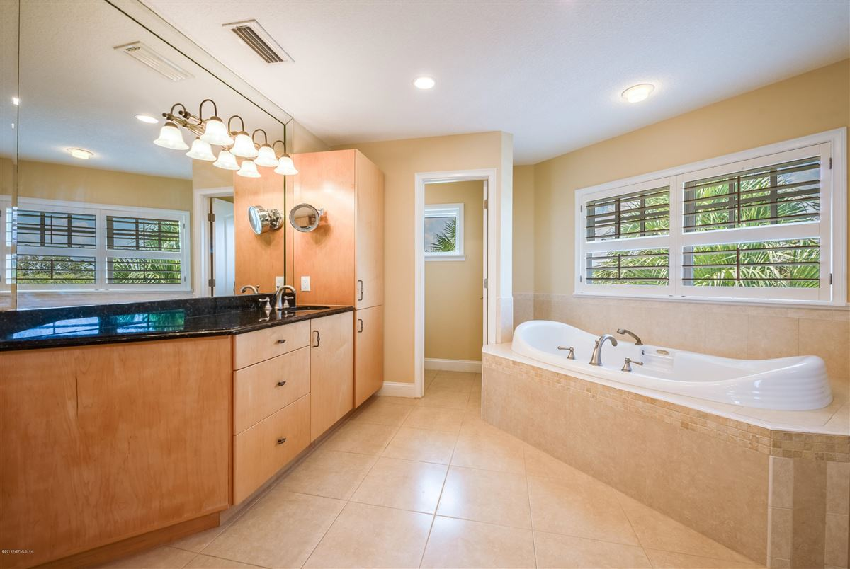 Mansions Atlantic Beach charm with newer amenities