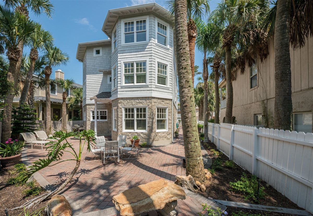 Mansions in Atlantic Beach charm with newer amenities