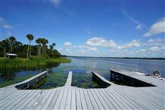 Have your own kingdom on a private island luxury properties