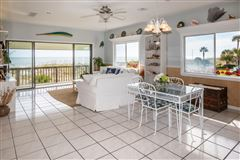 Luxury homes in Spacious oceanfront home