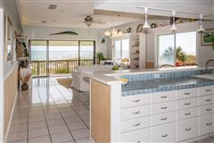 Spacious oceanfront home luxury homes