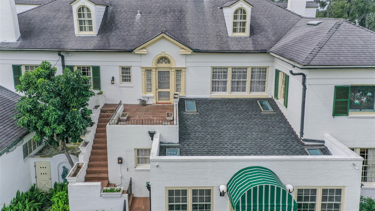 Mansions iconic riverfront estate home