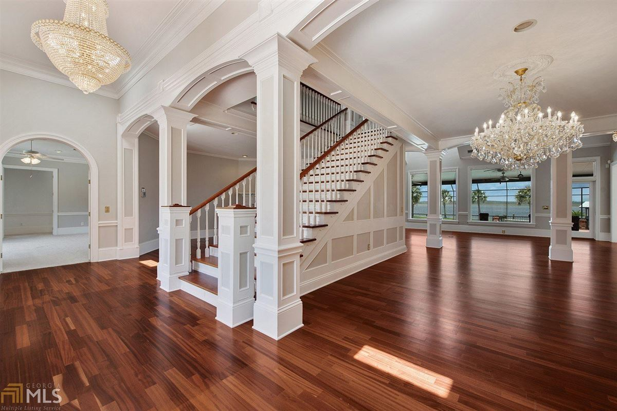 Mansions private riverfront retreat