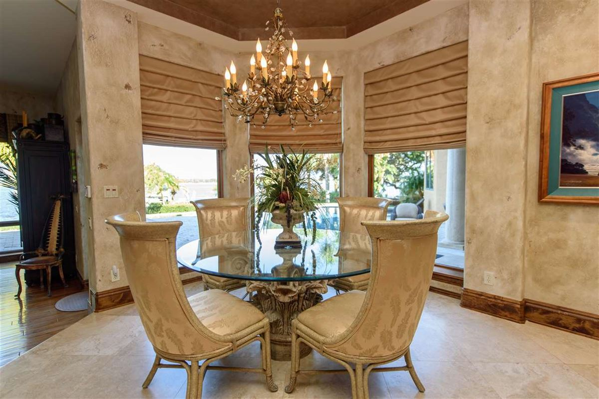 Luxury properties A Boaters paradise
