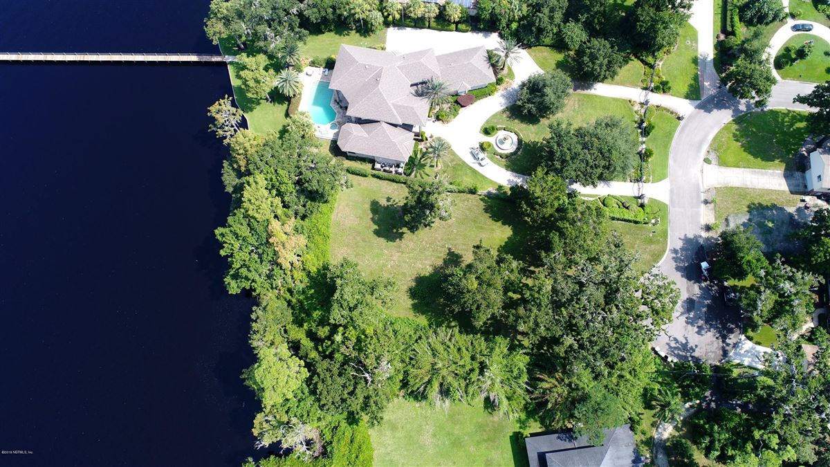 Mansions Beautiful energy efficient home on amazing riverfront lot
