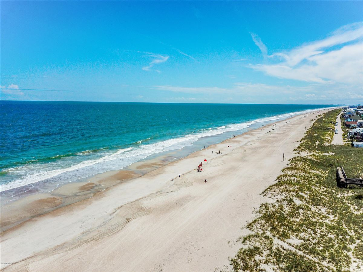 LARGE OCEANFRONT LOT luxury real estate
