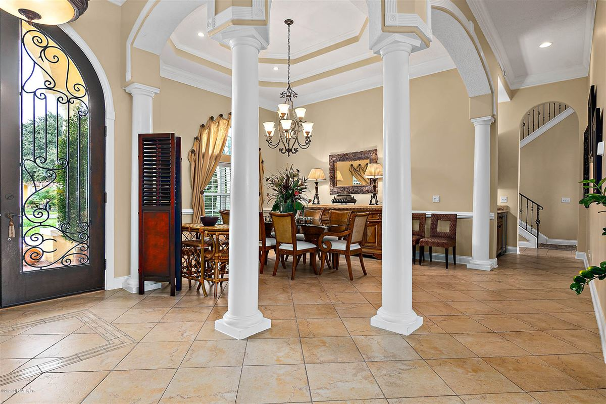 casual elegance in ST AUGUSTINE mansions