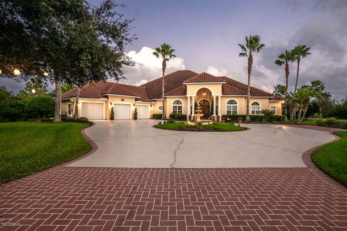 Mansions in casual elegance in ST AUGUSTINE