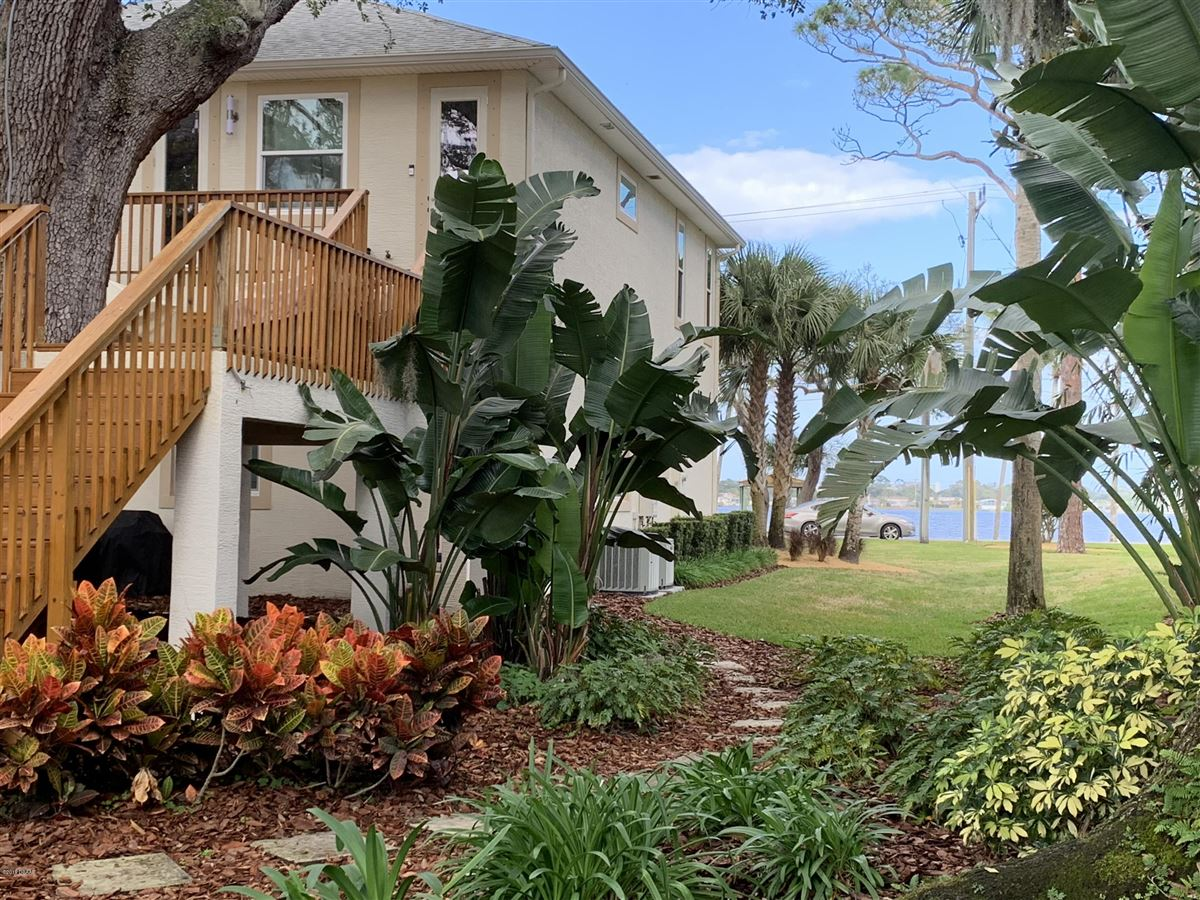 PARADISE FOUND on the Halifax River luxury properties