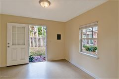 Mansions in beautiful riverfront property in orange park