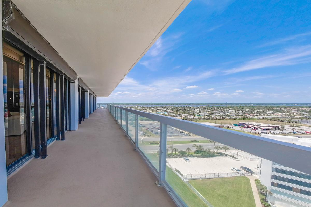 Luxury real estate Stunning 360° Daytona Beach and ocean views