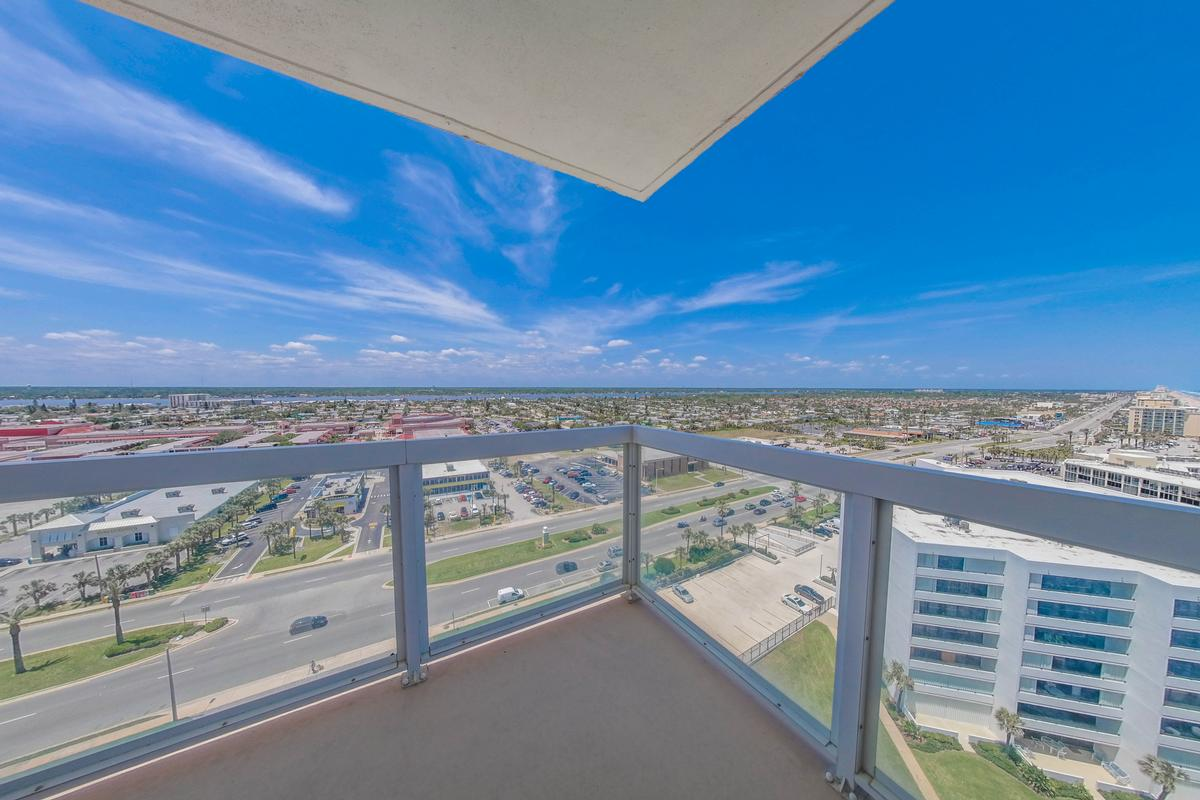 Stunning 360° Daytona Beach and ocean views luxury real estate