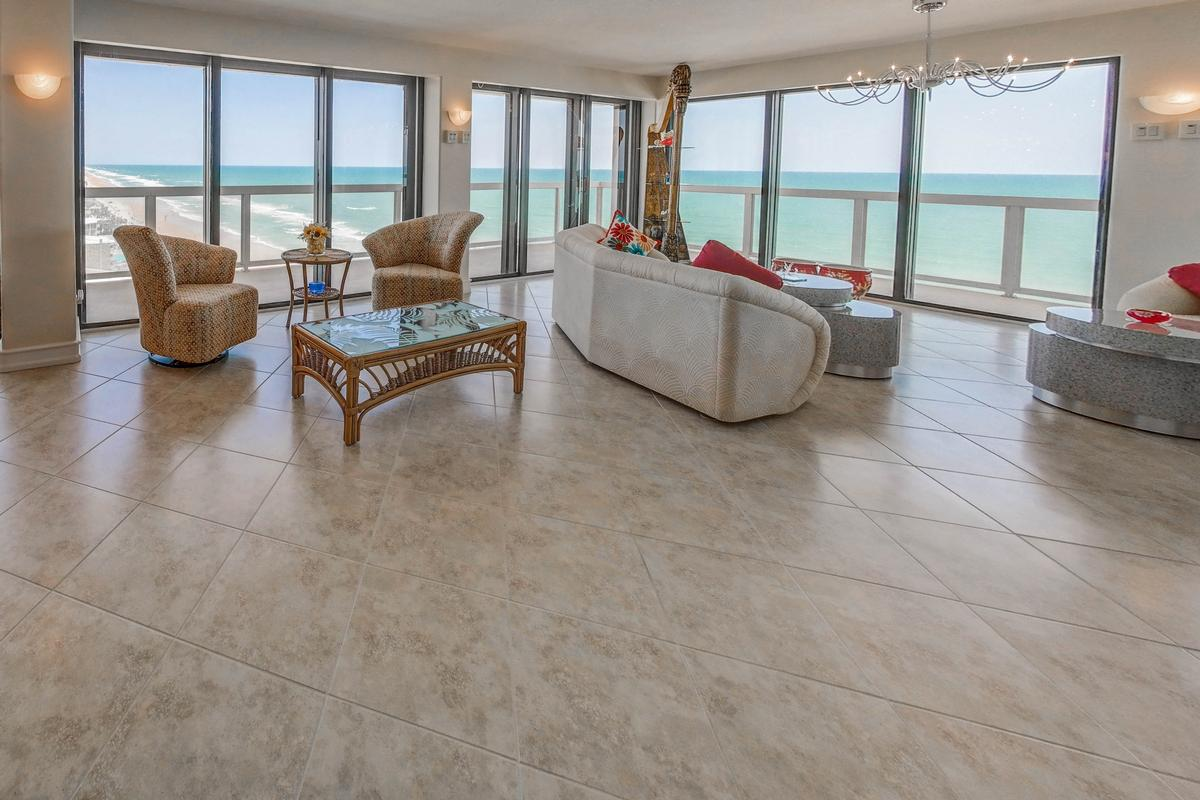 Mansions Stunning 360° Daytona Beach and ocean views